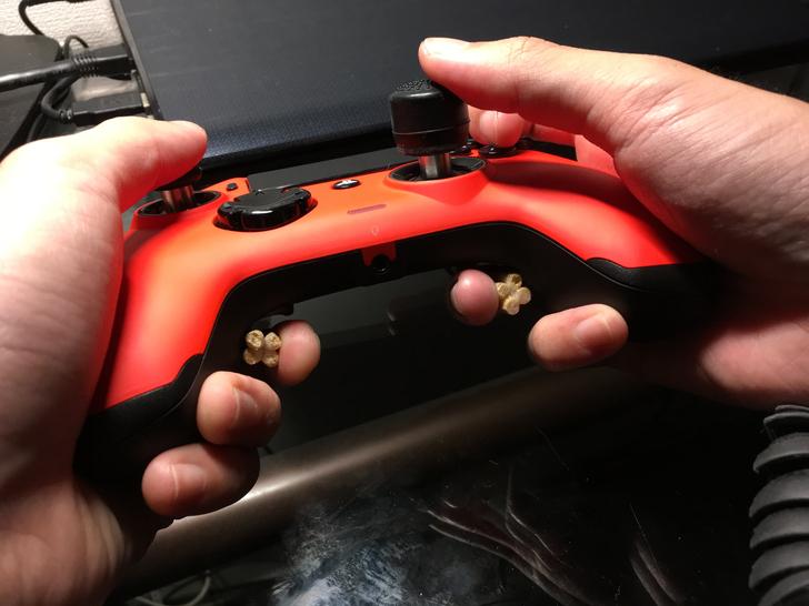 クッソ押しづらい「nacon プロコン2」の背面ボタンを、たった5分で押しやすくする方法: 背面ボタンが押しやすい!